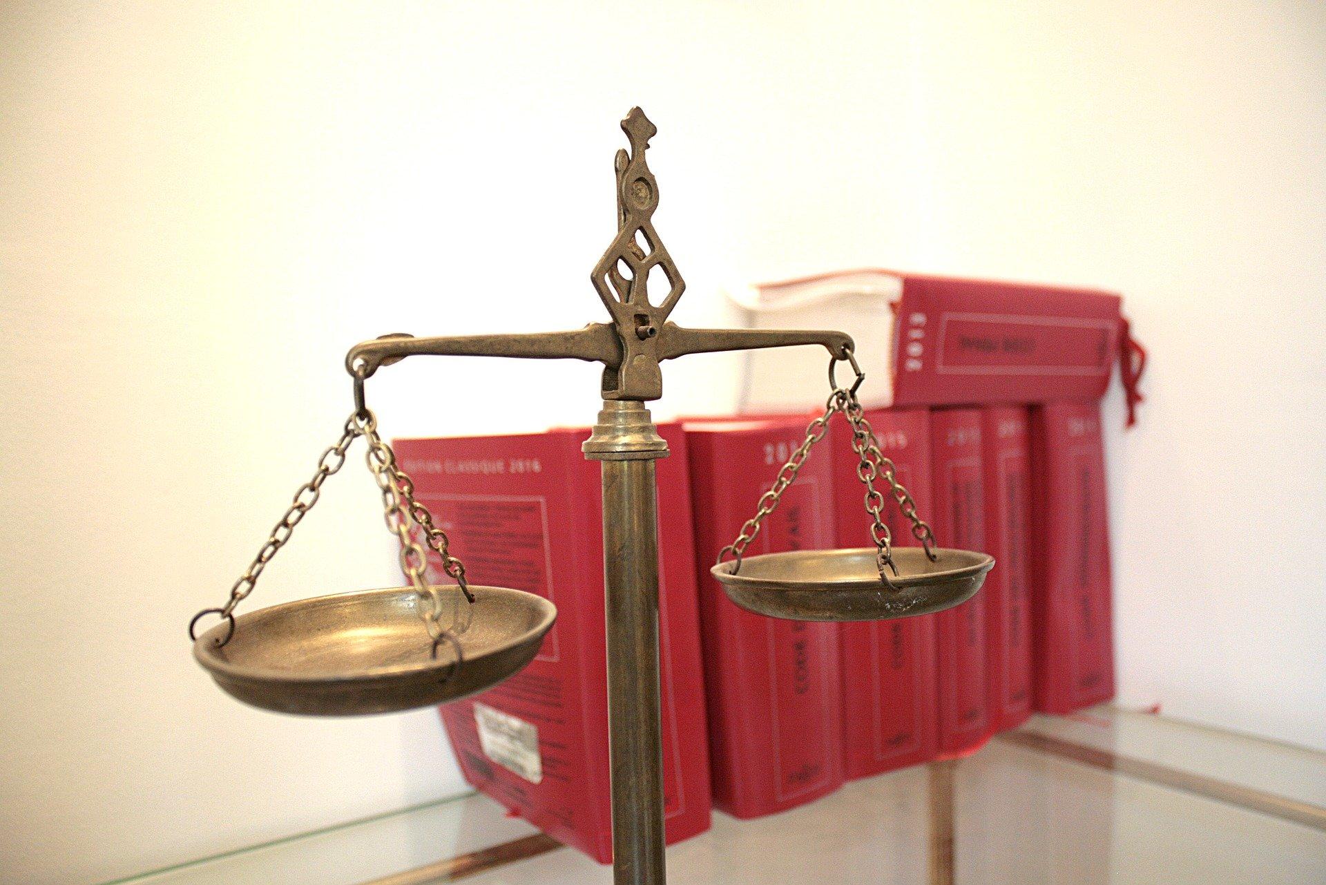 Top 6 Advantages of Customising Legal App Development