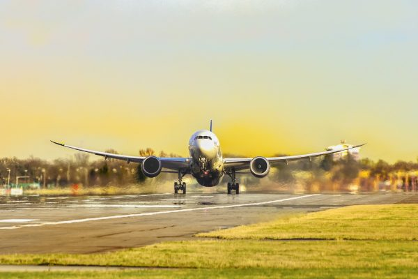 Top 8 Features of Aviation Software Development for Airline Business